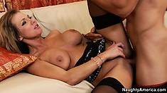 Busty blonde Nikki Sexx gets her cunt licked and he sticks his dick in it